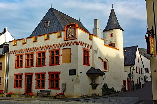 Bernkastel, Cues, Mosel, Sachsen, Germany, Old Building