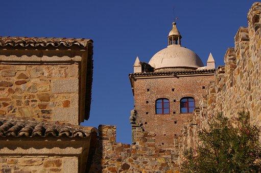 Montanchez, Cáceres, People