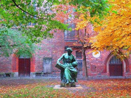 Berlin, Statue, Nikolaiviertel, Autumn