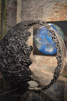 Art, Earth, Biennale, Globe, Installation, Review