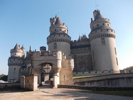 Castle Of Pierrefonds, Pierrefonds, History, Medieval