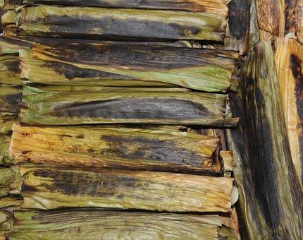 Chikki, Banana Leaf, Manioc, Food, Northeast, Texture
