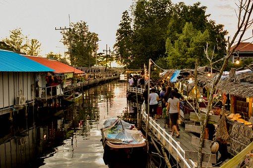 Water Market, River Communities, Plaza, Retro Market