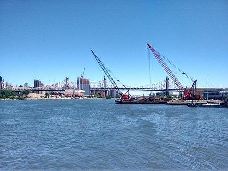 East River, Queensboro Bridge, Construction Crane
