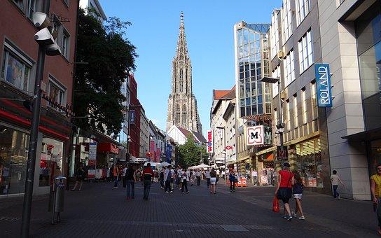 Ulm, Pedestrian Zone, Crowd, Ulm City Centre