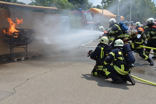 Fire, Respiratory Protection, Feuerloeschuebung