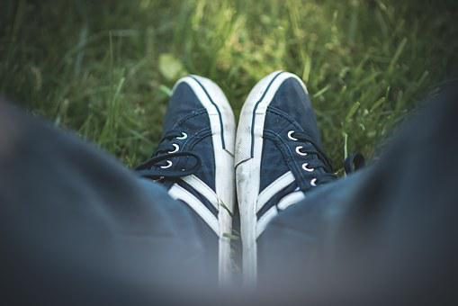 Hoes, Grass, Rest, Sneakers, Man, Woman, Lifestyle