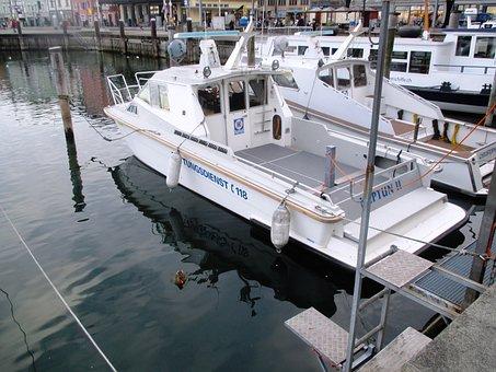 Seaport, Port, Ships, Emergency Medical Services