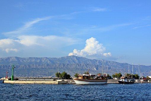Croatia, Dalmatian Coast, Dinaric Alps, Marina, Port