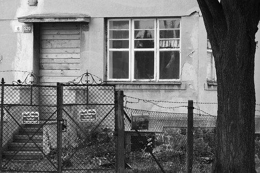 Old House, Dingy House, Urbex, Abandoned House