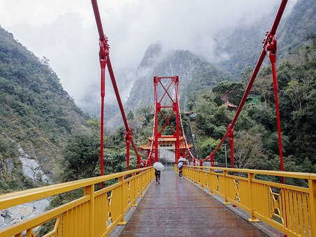 Taroko, Mother Bridge, Rain, Umbrella