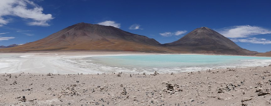 Laguna Verde, Bolivia, Volcano
