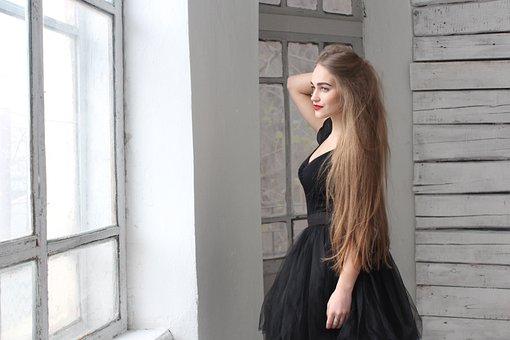 Girl, White Hall, Thoughtfulness