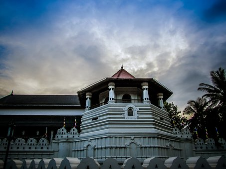 Sri Lanka, Kandy, Temple Of Tooth Relic