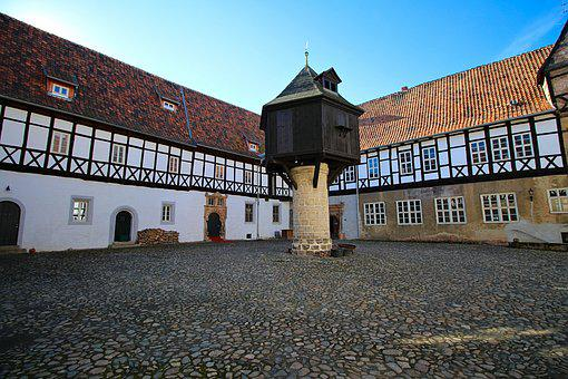 Truss, Three Page Court, Middle Ages, Building