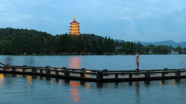Hangzhou West Lake Night, Leifeng Pagoda Lights
