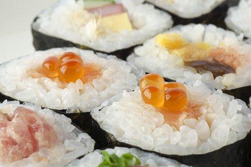 Sushi Rolls, Futomaki, Seafood, Sushi, Nori Winding