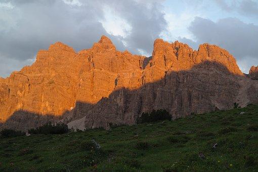 Alpenglühen, Lynx Heads, Mountains, Rock, Rock Wall