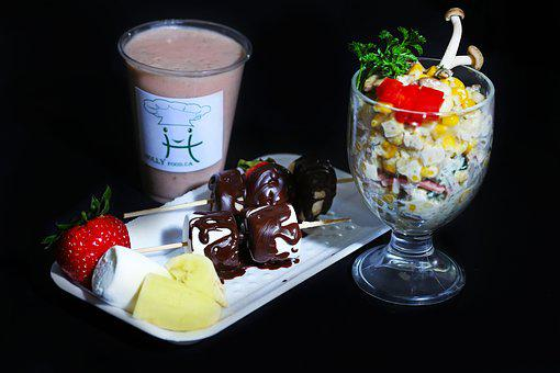 Holly Corn Combo, Fresh Strawberry Smoothie