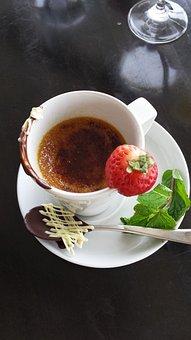 Creme Brulee, Dessert, Sweet, Strawberries, Chocolate