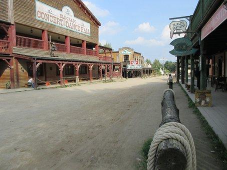Western, Road, Templin
