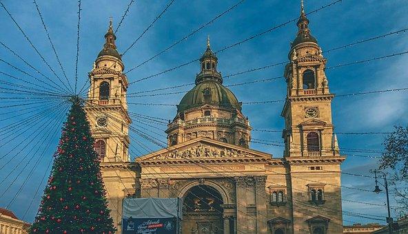 Budapest, Basilica, Basilica In Budapest, Christmas