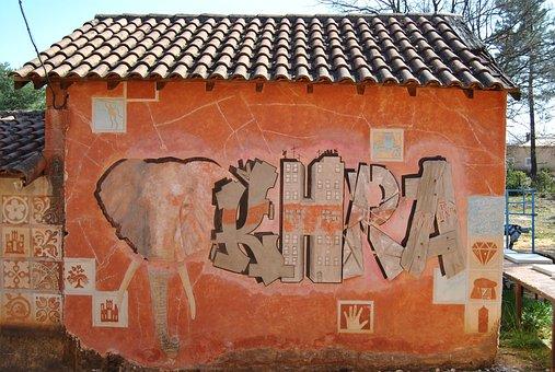 Street Art, Material, Roussillion Luberon Vaucluse