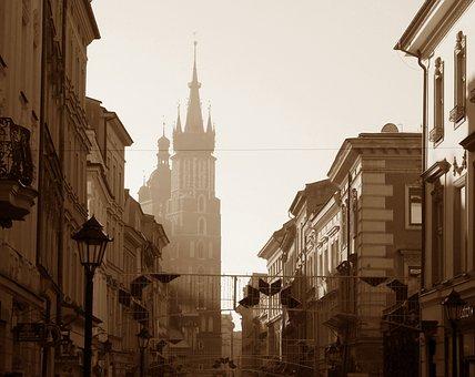 Krakow, Overlooking Marienkirche, St Mary's Church