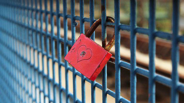 Padlock, Federal Government, Leibe, Red, Fence, Symbol