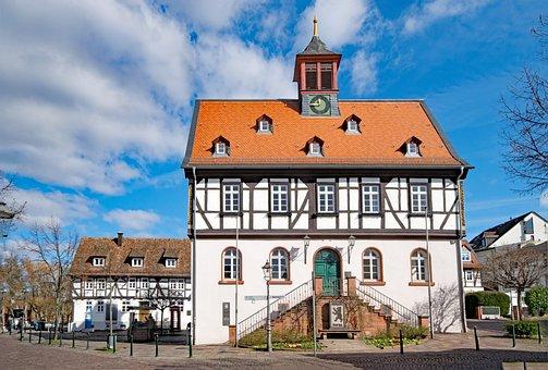Bad Vilbel, Hesse, Germany, Town Hall, Old Town, Truss