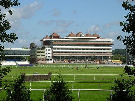 Newbury, Racecourse, Buildings
