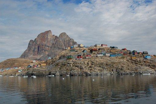 Hjertebjerget, Uummannaaq, Colorful, Houses