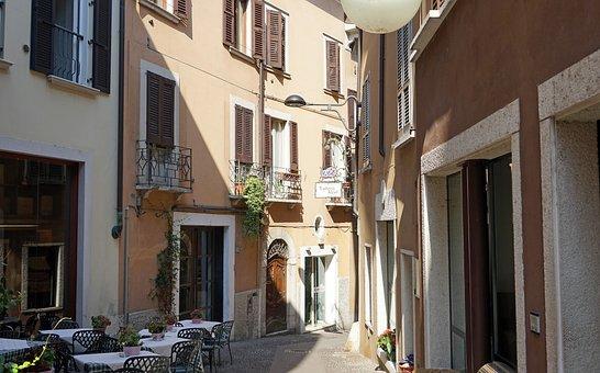 Alley, Old Town, Desenzano, Garda, Narrow Lane, Italy