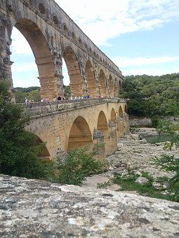 Bridge, The, Gard
