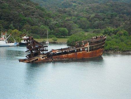 Mahogany Bay, Roatan, Carribean, Rusty, Sunken, Ship