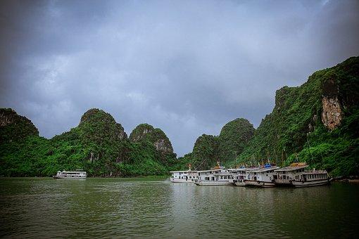 Halong Bay, Viet Nam, Asia