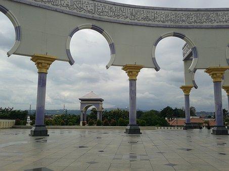 Semarang, Majt, View