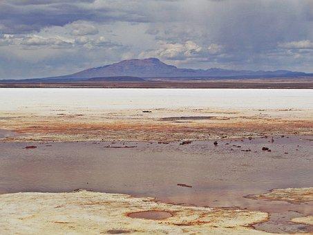 The Salar De Uyuni, Uyuni, Bolivia, Salt Desert