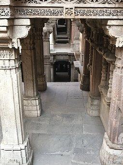 Dada-hari-ni-vav, Ahmedabad, Ahmadabad, Old