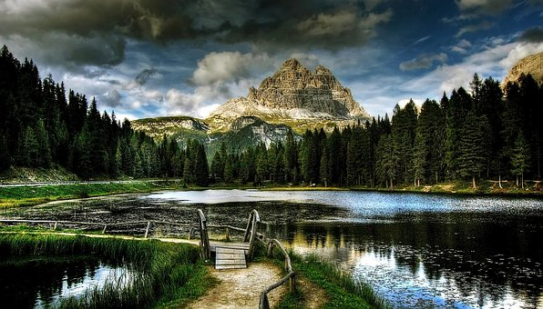Lago Antorno, Three Zinnen, Dolomites, Mountains