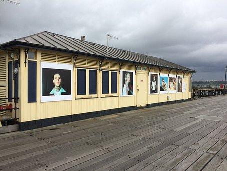Southend, Southend Pier, Shelter, Grey Day, Essex, Sky