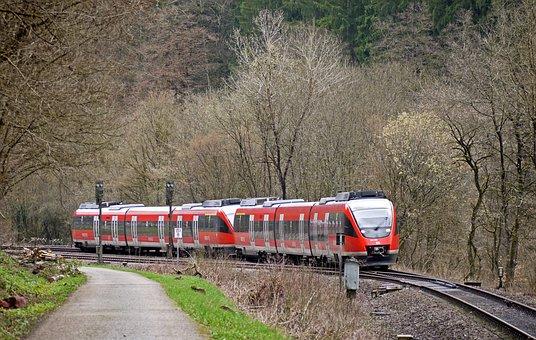 Regional Train, Eifel, Kylltal, Narrow Valley
