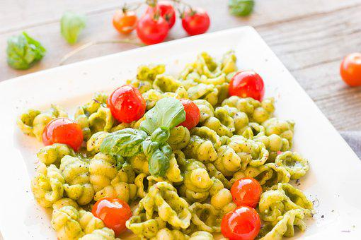 Pasta, Bear's Garlic, Herbs, Tomatoes, Basil