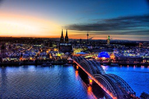 Hohenzollern Bridge, Cologne, Skyline