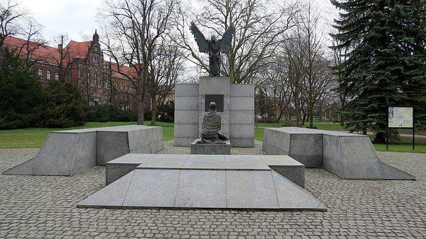Monument, The Monument To The Katyn Victims, Mass Grave