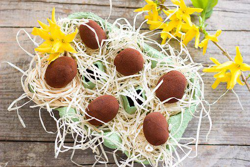 Easter, Advocaat, Chocolates, Chocolate, Candy, Nibble
