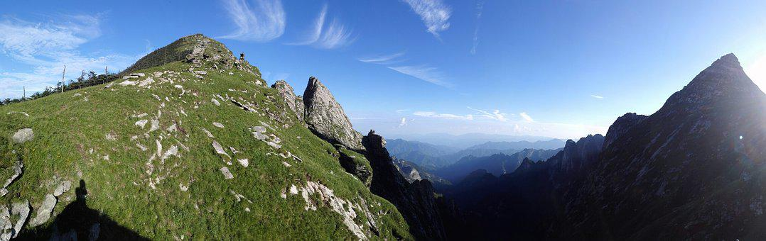 Antler Beam, Alpine, Blue Sky, White Cloud, Pavilion