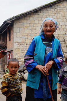 The Yi People, The Old Man, Qujing
