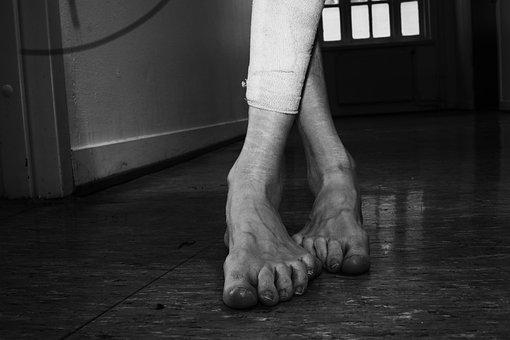 Feet, Legs, Woman, Human, Scars, Depression