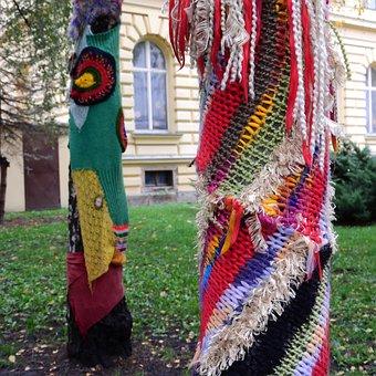 Yarn Bombing, Guerilla Knit, Knitting, Braided Trees